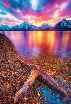 Jackson Lake is located in north western Wyoming in Grand Teton National Park One of the most beautiful places I've seen. Grand Teton National Park, National Parks, Places To Travel, Places To See, Beautiful World, Beautiful Places, Beautiful Sunset, Stunningly Beautiful, Beautiful Scenery