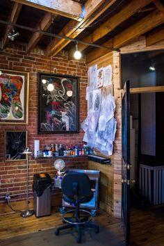 Under My Thumb's Homey Tattoo Studio, Category city design ideas machine model printer studio Thumb Tattoos, Tattoo Studio Interior, Mama Tattoo, Irezumi Tattoos, Geisha Tattoos, Studio Apartment, Apartment Therapy, Wooden Staircases, Shop Interiors