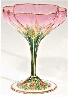 Cristal Art, Bijoux Art Nouveau, Antique Glass, Antique Items, Decoration, Art Deco Decor, Glass Art, Artsy, Room Decor