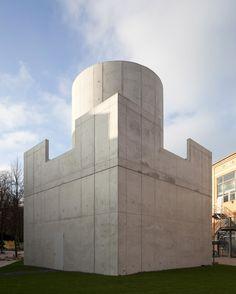 """James Turrell: """"Third Breath 2005"""", 2009, Lichtkunstwerk im Außenraum"""