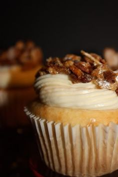 Inspired by Dick's bakery. (Must make for Mom's March Bday since Dicks BAC is her fav! Burnt Almond Cupcake Recipe, Almond Cupcakes, Yummy Cupcakes, Gourmet Cupcakes, No Bake Treats, Yummy Treats, Sweet Treats, Cupcake Recipes, Cupcake Cakes