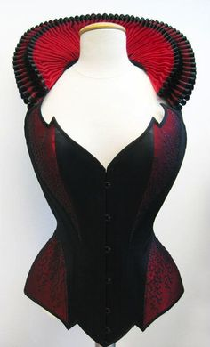 The corset features a black front busk, individual pointed edge design and a detachable neckholder strap with an extravagant double ruff, made from organza. Steampunk Costume, Steampunk Fashion, Gothic Fashion, Corset Vintage, Plus Size Corset, Fantasy Costumes, Gothic Outfits, Costume Makeup, Alternative Fashion