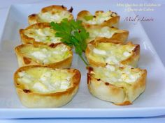MINI QUICHES DE CALABACÍN Y QUESO DE CABRA