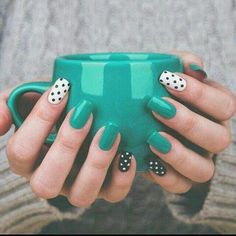 Nails Glamorous nails Nail designs Dots nails Gorgeous nails Dot nail art - Using a moisturizing body wash and putting on lotion all over your body will help prevent wrinkles and stay looking - Perfect Nails, Gorgeous Nails, Diy Nails, Cute Nails, Pin Up Nails, Dot Nail Art, Teal Nail Art, Teal Art, Teal Nails