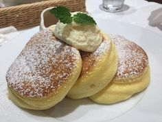 Puffed pancakes with Thermomix, an easy and simple recipe to make, retr . Beignets, Souffle Pancakes, Tasty Pancakes, Crepes, Sweet Recipes, Cake Recipes, Dessert Recipes, Cooking Chef, Cooking Recipes