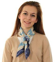 Modrý hedvábný šátek se zimním motivem f32bee8d5f
