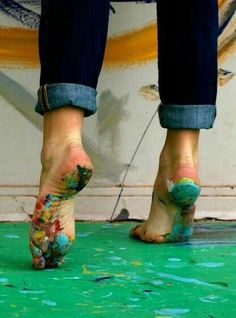 paint and ballet feet. doesn't get any better. Ballet Feet, Louise Bourgeois, Jolie Photo, Art Therapy, Art Studios, Design Studios, Artsy Fartsy, Bunt, In This World