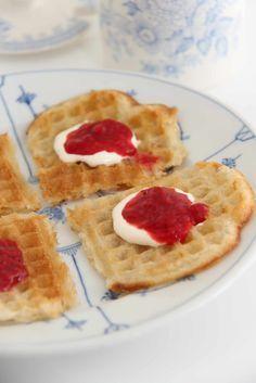 Vafler uten egg - My Little Kitchen Mini Trifle, British Things, Egg And I, Little Kitchen, Elderflower, Crepes, Sprinkles, Waffles, Cinnamon