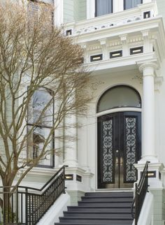 Historic Pacific Heights home, San Francisco, renovation by Dijeau Poage Construction. Love these doors Modern Victorian, Victorian Homes, Amazing Architecture, Architecture Details, Pacific Heights, Grand Entrance, House Entrance, Victorian Furniture, City Living