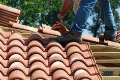 Roof tile repair Orlando Florida - http://www.premierroofingflorida.com/premier-roofing-album-tile-roofing-in-orlando/clay-tile-roof-in-orlando/