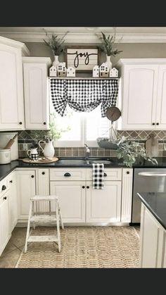 Modern Farmhouse Kitchens, Farmhouse Kitchen Decor, Home Decor Kitchen, Home Kitchens, Diy Home Decor, Rustic Farmhouse, Kitchen Sink, Farmhouse Ideas, Kitchen Window Decor