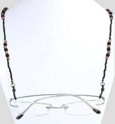 #Brillenkoord gemaakt van lichtbruine en zwarte kralen. Geschikt voor vrijwel alle #brillen.