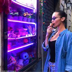 Bella Hadid in Rome as ex The Weeknd splits from Selena Gomez Bella Gigi Hadid, Bella Hadid Style, The Weeknd, Selena Gomez, Isabella Hadid, Cute Christmas Outfits, Beautiful Models, Emma Roberts, Lady And Gentlemen
