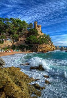 Lloret de Mar, Costa Brava, SPAIN The best of 2 beautiful places, a castle and the beach! Places To Travel, Places To See, Travel Destinations, Dream Vacations, Vacation Spots, Voyage Europe, Destination Voyage, Spain And Portugal, Spain Travel