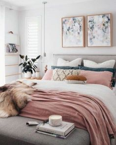 Small Apartment Decorating Tips To Make The Most of Your Space Some very clever apartment decorating hacks.Some very clever apartment decorating hacks. Modern Bedroom Decor, Stylish Bedroom, Home Bedroom, Bedroom Furniture, Modern Bedrooms, Master Bedrooms, Beautiful Bedrooms, Bedrooms With Carpet, Art For Bedroom