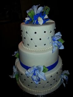 Wedding cakes by Lorna Colls