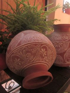 Something new, Something old–Uttora and Ranjit Ratna's home Pottery Painting Designs, Paint Designs, Painted Clay Pots, Hand Painted, Small Balcony Decor, Piercings, Indian Home Decor, Indian Room, Bottle Painting