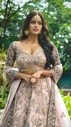 Indian Fashion Dresses, Indian Gowns, Indian Outfits, Fashion Outfits, Designer Bridal Lehenga, Bridal Lehenga Choli, Indian Women Painting, Indian Bridal Hairstyles, Indian Bridal Makeup