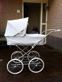 Prachtige nostalgische kinder/ wandelwagen