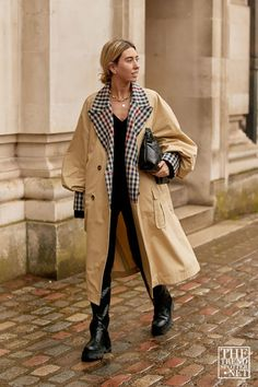 The Best Street Style From London Fashion Week A/W 2020 Spring Fashion Trends, Spring Trends, Winter Fashion, London Fashion Weeks, Trench Coat Outfit, Trench Coats, Mode Outfits, Winter Outfits, Spring Outfits