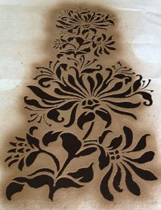 Hodgepodge Handiwork: Recipe for an Alabama Chanin Dress. Tips on stenciling. Fabric Art, Fabric Crafts, Sewing Crafts, Sewing Projects, Embroidery Applique, Embroidery Designs, Sewing Tutorials, Sewing Patterns, Reverse Applique