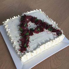 Täykkäri: Porovoileipäkakku ristiäisiin Cake, Desserts, Food, Tailgate Desserts, Deserts, Kuchen, Essen, Postres, Meals