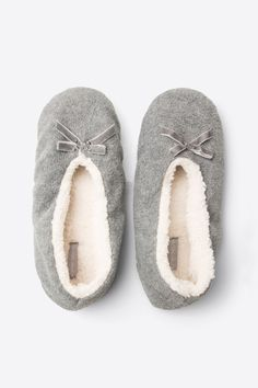 women'secret   Productos   Zapatillas polares Cute Slippers, Ballerina Slippers, Ballerina Shoes, Trendy Shoes, Casual Shoes, Shoes Wallpaper, Sock Crafts, Happy Socks, Pajamas Women