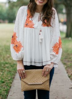 Embroidered Peasant Top // Casual & Cute