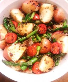 Red Potato Medley with Honey Balsamic Glaze | Vegetarian Entree | Meatless Monday Recipe | Potatoes, Tomatoes, Asparagus