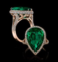 A magnificent fine gem quality emerald of 9.25ct, has been expert certified by Christian Dunaigre of Dunaigre Consulting GmbH as Zambian in origin and with the rarefied classification of vivid green color, this emerald is complimented by a warm rose gold setting.