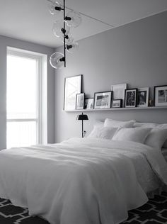 6 Respected Clever Ideas: Minimalist Home Ideas Wall Colors minimalist bedroom wall simple.Minimalist Bedroom Simple Floor Beds minimalist home decorating printable art.Minimalist Home Exterior Gardens. One Bedroom, Bedroom Apartment, Home Decor Bedroom, Design Bedroom, Master Bedrooms, Fall Bedroom, Apartment Therapy, Wall Design, White Gray Bedroom