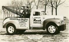 Nash tow truck model year 1947 - Nash built these for their dealerships. Dodge Trucks, Tow Truck, Old Trucks, Semi Trucks, Lifted Dually, Old Gas Stations, Long Island Ny, Engin, Bus Coach