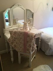 French Style Shabby Chic Dressing Table in Bedroom