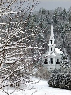 Country Church - Winter in Plainfield, Vermont. Old Country Churches, Old Churches, Winter Szenen, Winter Time, Vermont Winter, Take Me To Church, Cathedral Church, Church Building, Snow Scenes