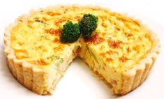 Ham Quiche, made with broccoli is a delicious, wonderful recipe full of great flavors and ingredients. The subtle taste of quiche is ideal. Quiche Recipes, Egg Recipes, Whole Food Recipes, Cooking Recipes, Vegan Cru, Roh Vegan, Whole Foods Market, Quiches, Vegan Foods