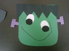simple halloween craft that i made forwith my preschool class - Preschool Halloween Art Projects