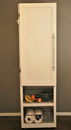 Build a freestanding pantry pinterest temporary storage this idea will give you so much more pantry storageand you can make it yourself solutioingenieria Gallery