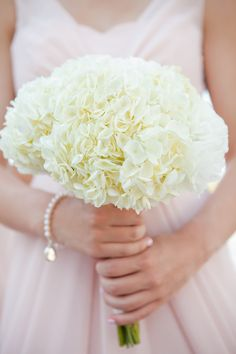 Hydrangea Bouquet | Photography: White Album Weddings | On SMP