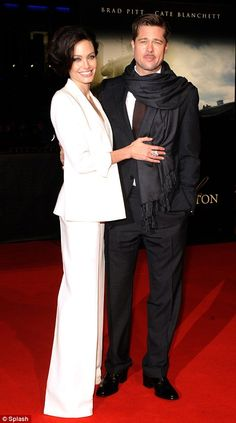 Angelina Jolie took to the red carpet with husband Brad Pitt and showcased a stunning new hair do. Angelina Jolie Movies, Angelina Jolie Pictures, Angelina Jolie Photos, Brad Pitt And Angelina Jolie, Jolie Pitt, Brad Pitt Divorce, Bradd Pitt, Brad And Angie, Black And White Couples