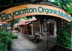 Brynston - suburb of Johannesburg used to go there every Thursday ! Weekend Trips, Day Trips, Great Places, Beautiful Places, Organic Market, Pretoria, South Africa, Places To Visit, Marketing
