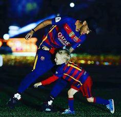 Neymar and Davi ❤️ Neymar Barcelona, Barcelona Soccer, Messi And Neymar, Lionel Messi, Good Soccer Players, Football Players, Kids Soccer, Soccer Tips, Dani Alves