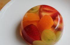 Combina tus frutas preferidas con gelatina y jugo 100% de uva blanca Welch's para crear una merienda nutritiva.