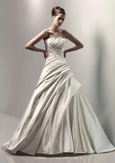 https://flic.kr/p/BFZqvX | Trouwjurken | Bekijk onze ruime collectie trouwjurken. De meeste en mooiste betaalbare trouwjurken bij de Grootste Bruidszaak van Nederland! | www.popo-shoes.nl