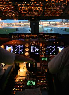 """stopdreamingstartflying: """"Holding position behind A340 """""""