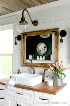 DIY home decor projects : Farmhouse bathroom vanity – white cabinets, black hardware, butcher block countertops, aged brass. Every detail of this bathroom is stunning! -Read More – White Vanity Bathroom, Small Bathroom, Bathroom Ideas, Budget Bathroom, Master Bathroom, Mirror Bathroom, Gold Bathroom, Barn Bathroom, Mirror Vanity