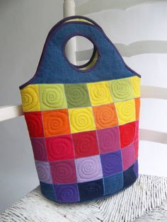 patchwork bag by Sakamalis...love the patch work design...very easy and easy machine quilting.