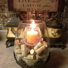 Upscale wine corks into a beautiful candle display - Parenting Wine Craft, Wine Cork Crafts, Wine Bottle Crafts, Empty Wine Bottles, Wine Bottle Corks, Wine Cork Candle, Wine Cork Projects, Diy Projects, Cork Art