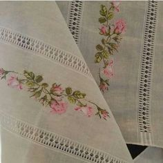 Table runner, perfectly stitched roses, they look so pretty. Cross Stitch Rose, Cross Stitch Flowers, Cross Stitch Patterns, Vintage Embroidery, Ribbon Embroidery, Embroidery Designs, Sewing Essentials, Knit Art, Drawn Thread