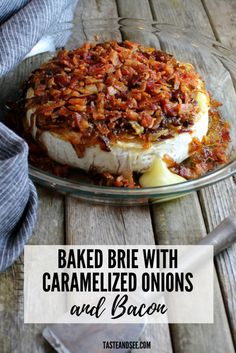 This baked brie with caramelized onions and bacon is a decadent and delicious treat! It's the perfect appetizer for having friends or family over during the holidays or anytime you want something chee Baked Brie Appetizer, Bacon Appetizers, Appetizer Recipes, Holiday Appetizers, Brie Au Four, Tapas, Baked Brie Recipes, Brie Cheese Recipes, Appetisers