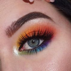 10 Makeup Looks That'll Make You Glow This Summer Makeup looks hard to find for summer? Check out these 10 makeup looks that'll make you glow this summer. Makeup Eye Looks, Eye Makeup Art, Eyeshadow Makeup, Makeup Inspo, Pink Makeup, Makeup Tips, Makeup Ideas, Glow Makeup, Drag Makeup